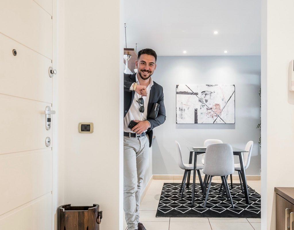 Da studente universitario a una delle più importanti agenzie immobiliari di Tirana. Roberto Mazzuca, A.D. di Affitti Italiani.